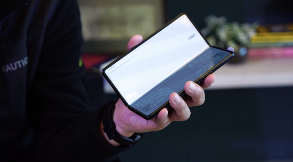 Samsung Galaxy Z Fold 3 llega más delgado y ligero, y con protección contra agua