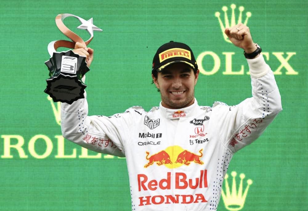 El mejor análisis de la batalla entre Checo Pérez y Lewis Hamilton en el GP de Turquía